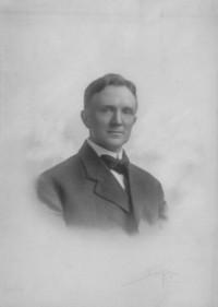 Raymond_howard_barker_1907_courtesy