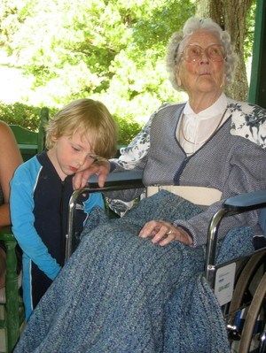 Elias_and_great_gran