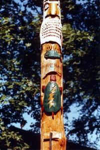 Totem_pole_head_1